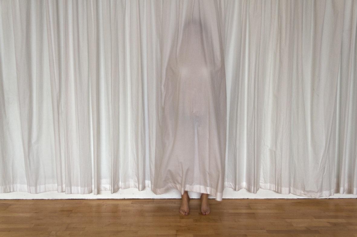 Curtain - Eeva Mari Haikala)